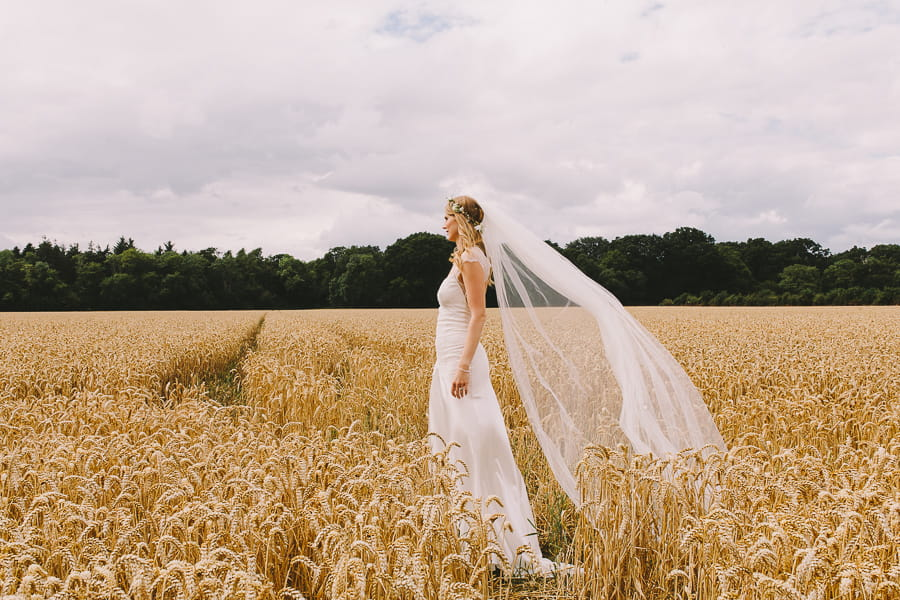 creative wedding photographer Danielle O'Hora
